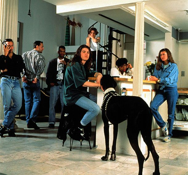 THE REAL WORLD, NYC, MTV Reality Series, from left: Eric, Norman, Kevin, Andre, Becky, Heather B., Julie, Gouda (dog), (Season 1), 1992-
