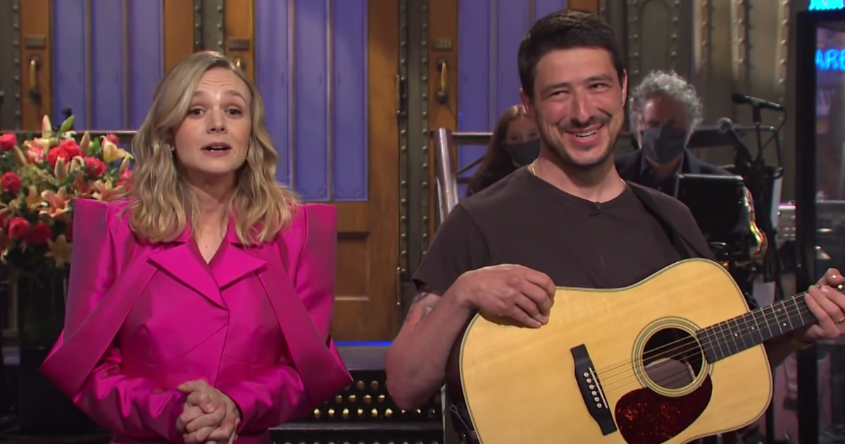 Carey Mulligan's SNL Monologue Derailed By Her Husband