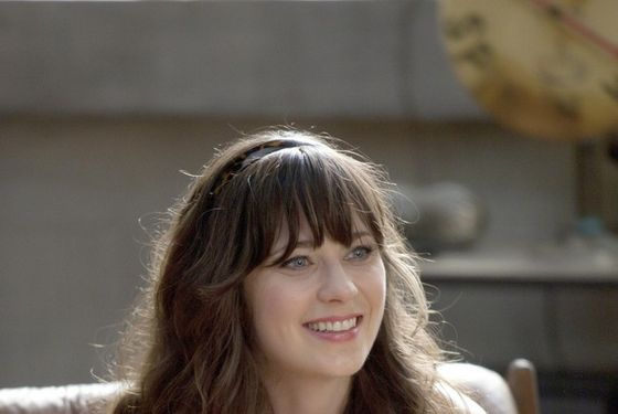 Listen to Zooey Deschanel Sing the New Girl Theme Song