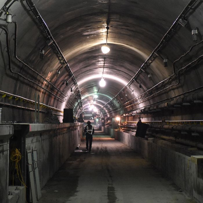 Image of the inside of a subway tunnel under construction.