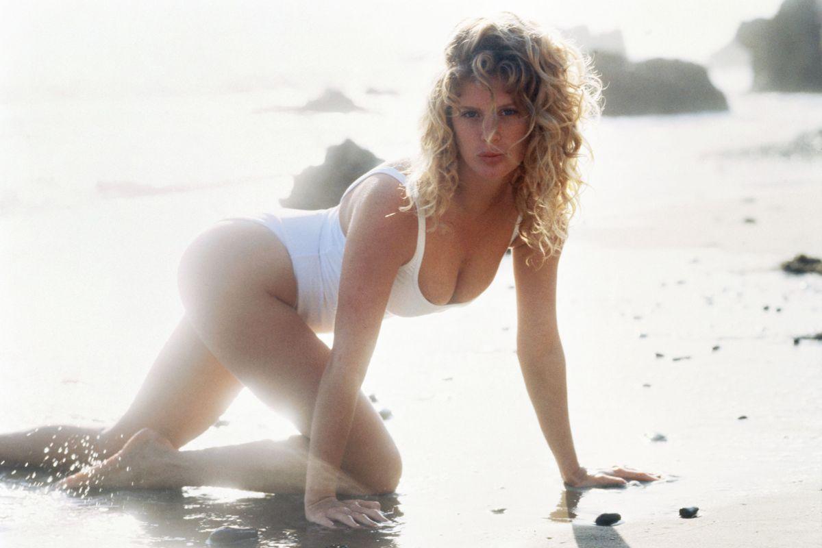Rachel Hunter 1992 30 Bombshell Babes In Modest Swimwear The Cut