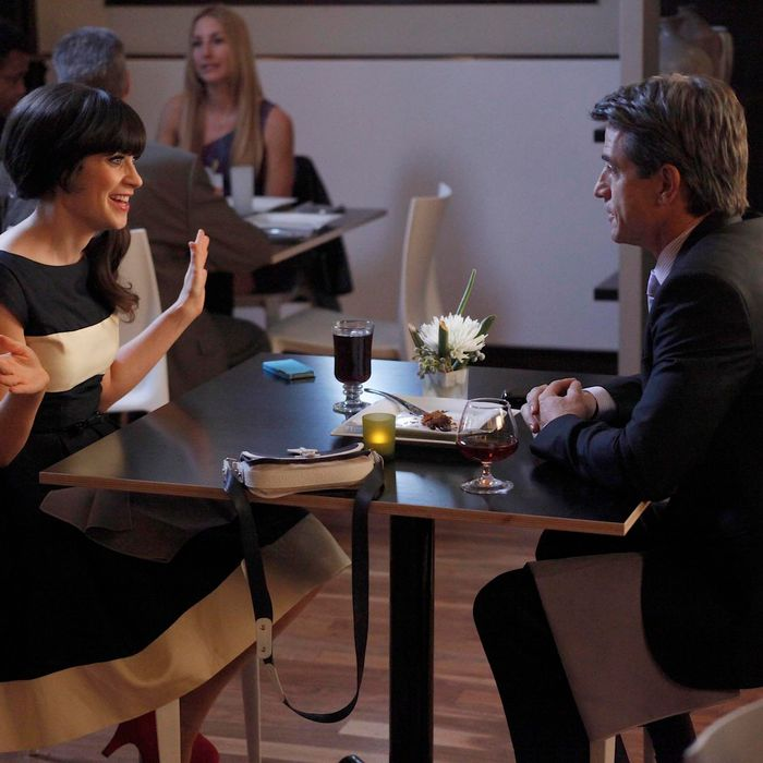 NEW GIRL: Jess (Zooey Deschanel, L) and Russell (guest star Dermot Mulroney, R) enjoy their first date in the