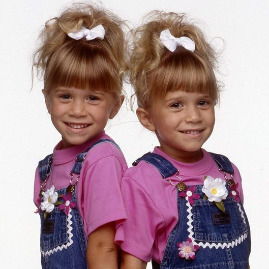 MARY-KATE OLSEN;ASHLEY OLSEN