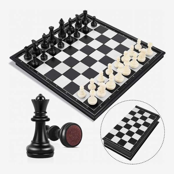 Peradix Chess Set With Magnetic Board