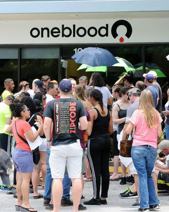 Floridians waiting to donate blood.