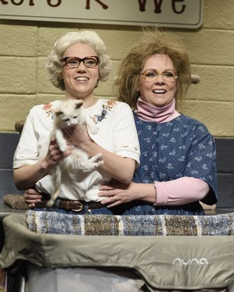 Kate McKinnon and Melissa McCarthy in SNL's