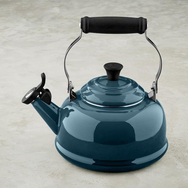 Le Creuset Classic 1 3/4-Qt. Tea Kettle