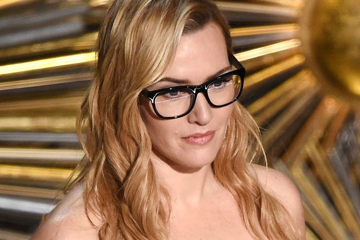 98650f6e387 Kate Winslet looking beautiful and relaxed because she can see real good.  Photo  Kevin Winter Getty Images