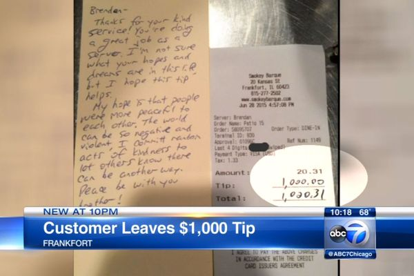 Random Customer Leaves $1,000 Tip to Help Teenage Waiter Achieve His 'Hopes and Dreams'