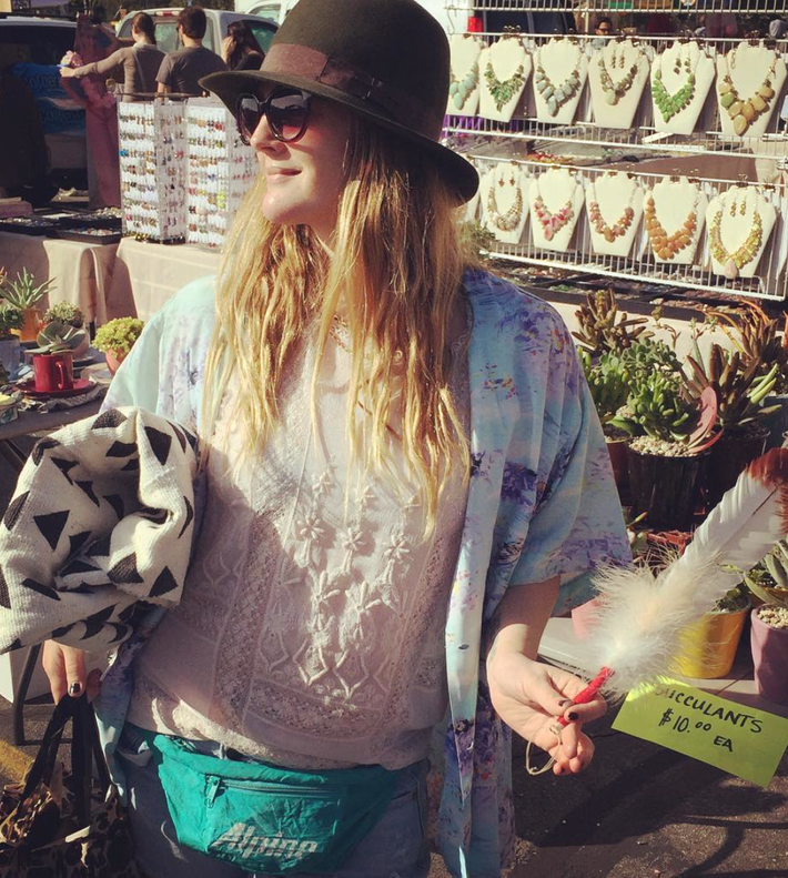 Fanny pack-flea-market Sunday. Drew Barrymore/Instagram