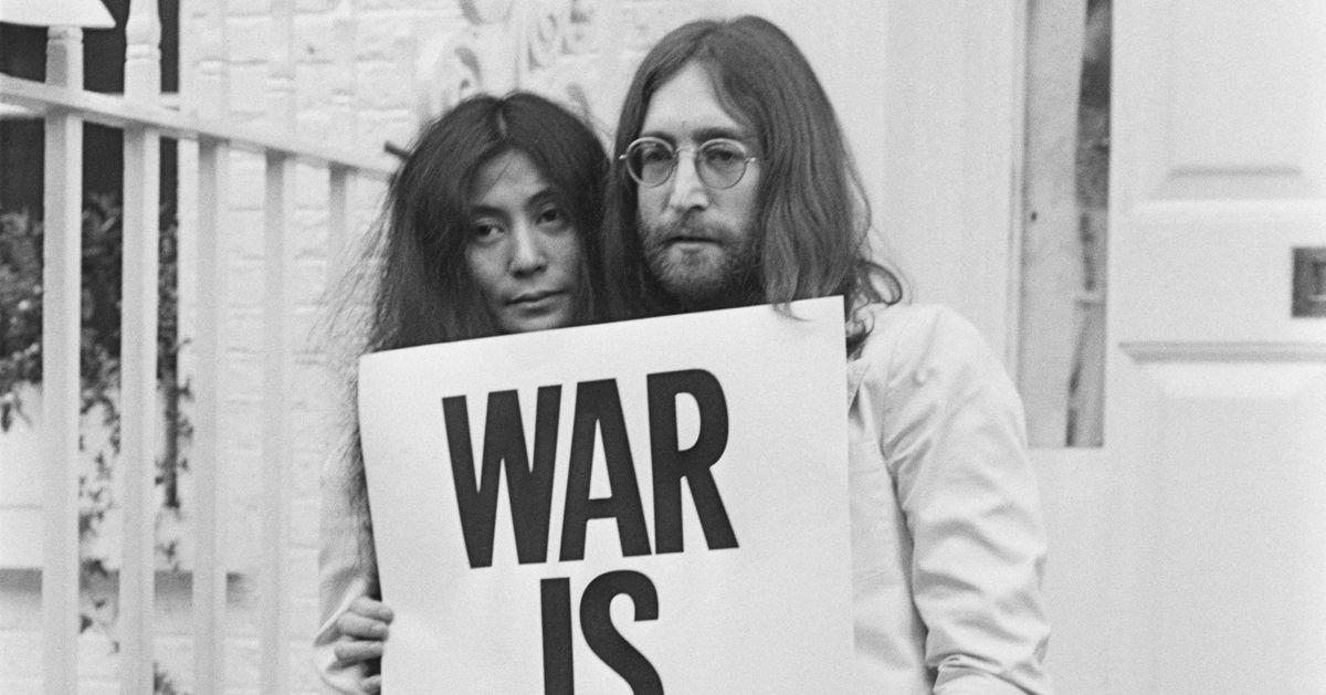 Yoko Ono And John Lennon John Lennon & Y...