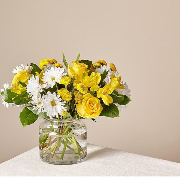 FTD Deluxe Sunny Sentiments Bouquet