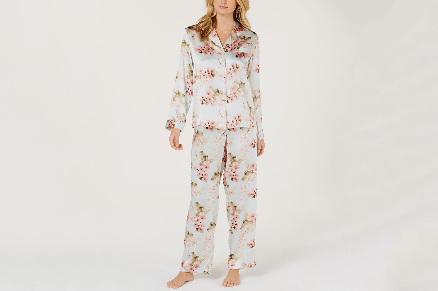 26 Best Silk Pajamas for Women 2018 4b424c46b