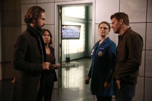 "SLEEPY HOLLOW: L-R: Tom Mison, Nicole Beharie, guest star Emily Deschanel from BONES and David Boreanaz from BONES in the ""Dead Men Tell No Tales"" episode of SLEEPY HOLLOW airing Thursday, Oct. 29 (9:00-10PM ET/PT) on FOX. ©2015 Fox Broadcasting Co. Cr: Tina Rowden/FOX."