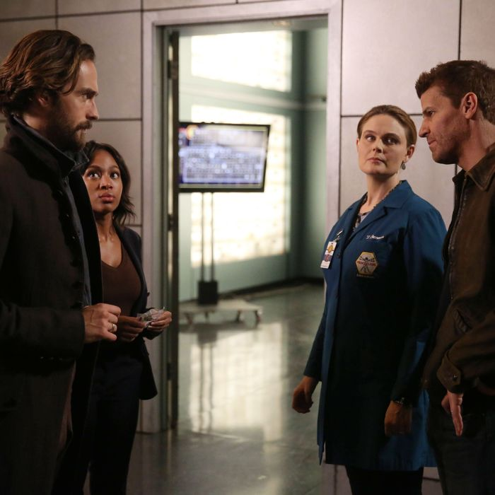 "SLEEPY HOLLOW: L-R: Tom Mison, Nicole Beharie, guest star Emily Deschanel from BONES and David Boreanaz from BONES in the ""Dead Men Tell No Tales"