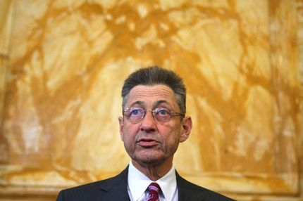 Sheldon Silver looking a lot better than he does currently.