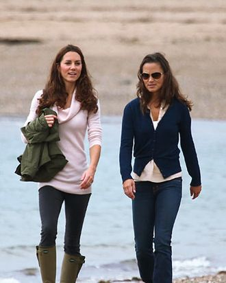 Kate Middleton being normal with her sister Pippa.