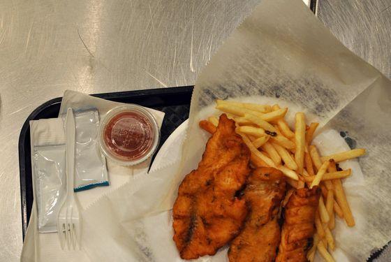 empty-mall-fried-fish