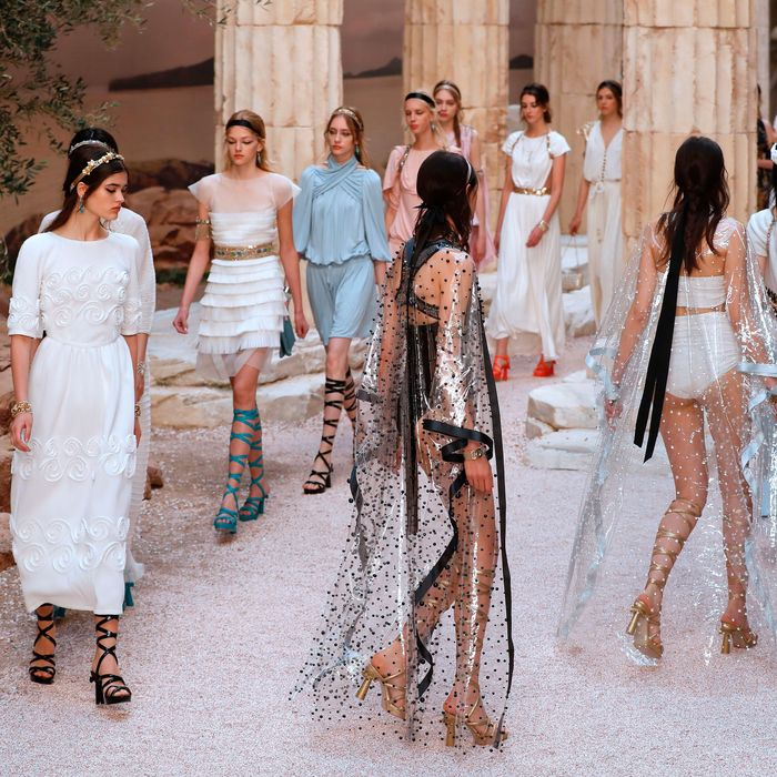 8e649aaf0354 Karl Lagerfeld Re-Created Ancient Greece in Paris for Chanel Cruise. By  Véronique Hyland. Chanel cruise 2018.