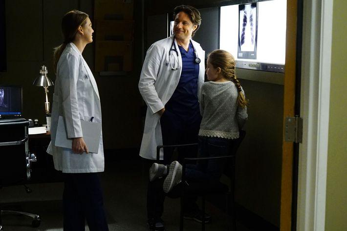 Greys Anatomy Recap Season 13 Episode 23 True Colors