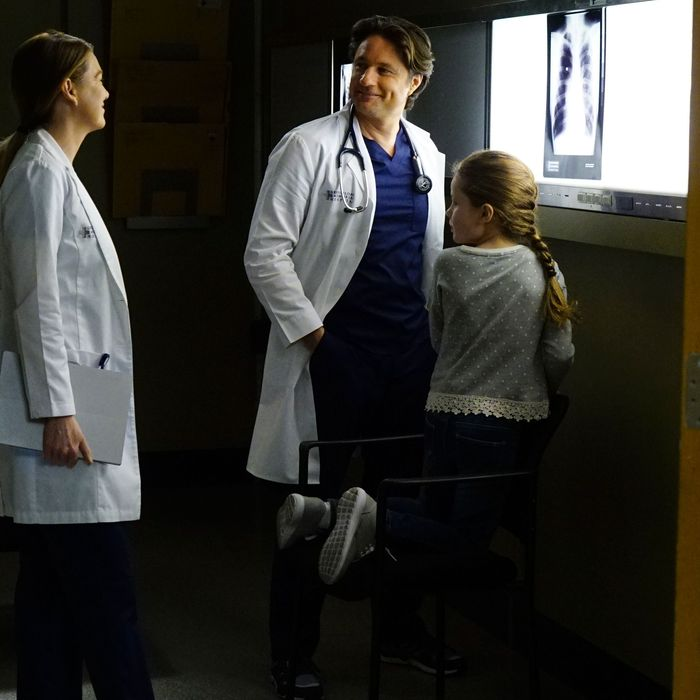 Greys Anatomy Recap Season 13 Episode 23 True Colors