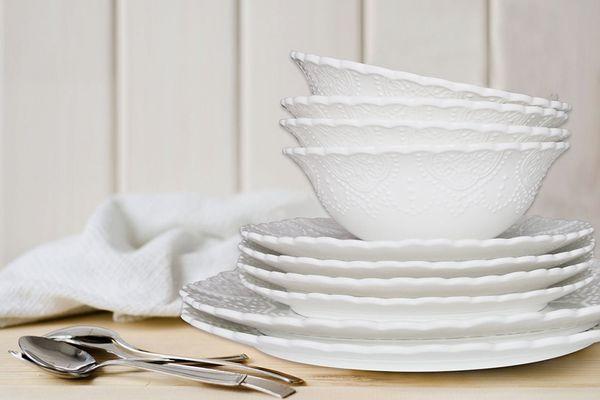 La Jolie China Set of Four Porcelain Bone China Bowls