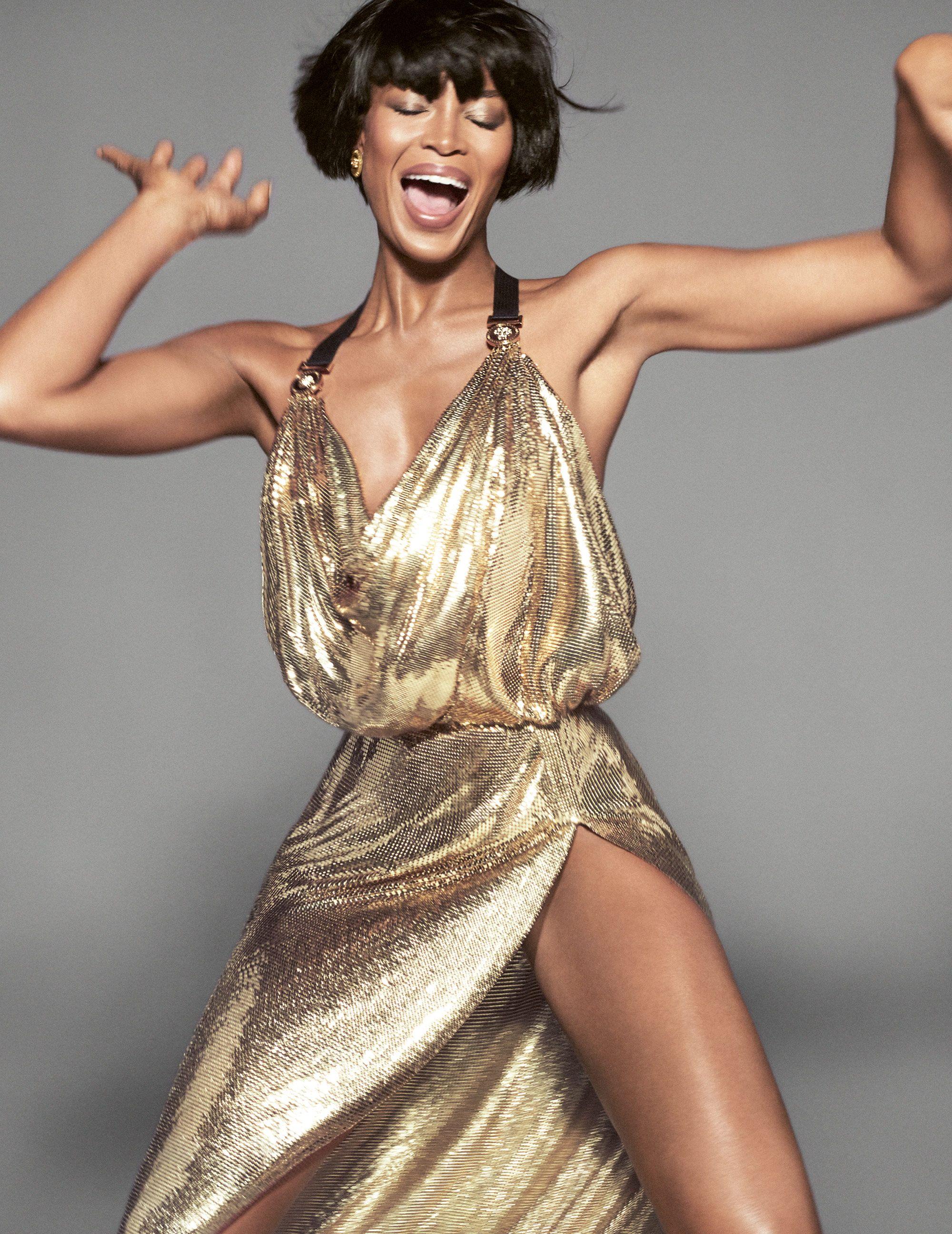 219d0d313c8d  rsquo 90s Supermodels Pose for Versace rsquo s New Campaign