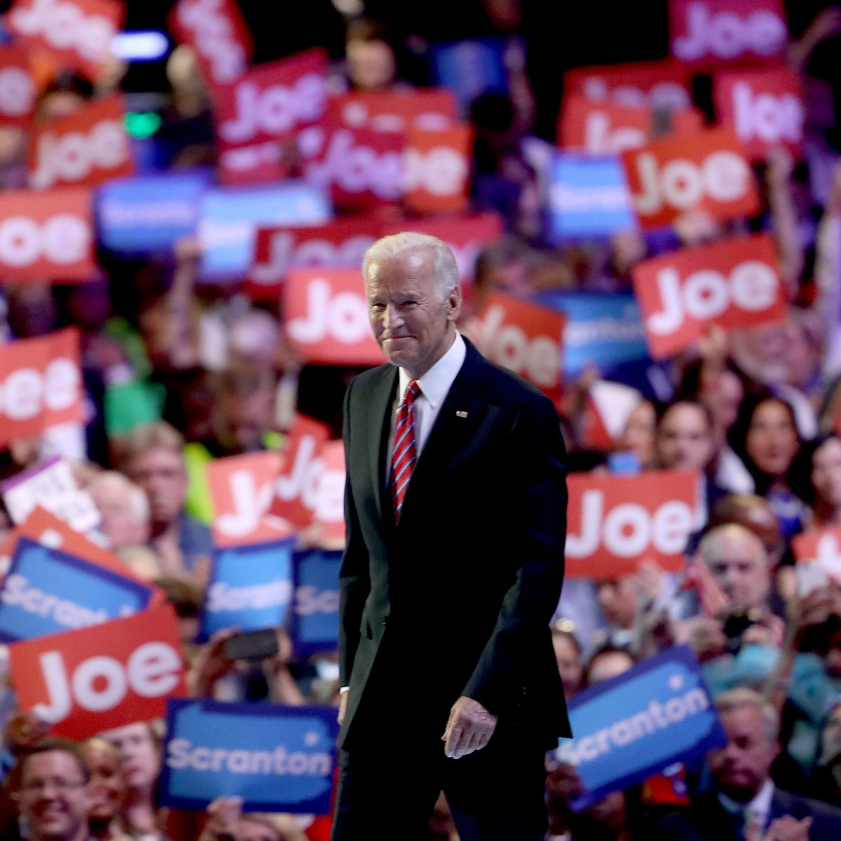 Democratic Convention Schedule: Who's Speaking, How to Watch