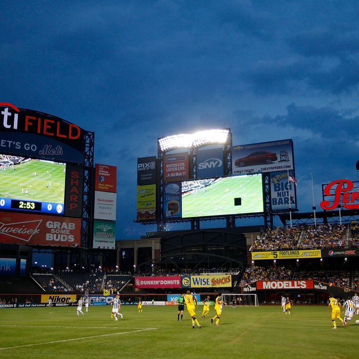 NEW YORK - JULY 26: A general view of an exhibition match between Juventus FC and Club America on July 26, 2011 at Citi Field in the Flushing neighborhood of the Queens borough of New York City. (Photo by Jeff Zelevansky/Getty Images)