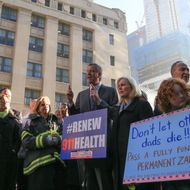 Mayor de Blasio pushes for Zadroga Act extension at Ground Zero