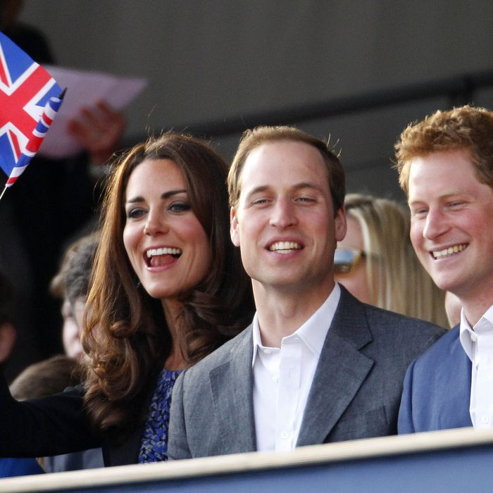 LONDON - MAY 04: (L-R) Princess Beatrice, Catherine, Duchess of Cambridge, Prince William, Duke of Cambridge and Prince Harry are seen during the Diamond Jubilee, Buckingham Palace Concert May 04, 2012 in London, England. For only the second ime in it's history, the UK celebrates the Diamond Jubilee of a monarch. Her Majesty Queen Elizabeth II celebrates the 60th anniversary of her ascension to the throne. (Photo by Dave Thompson - WPA Pool/Getty Images)