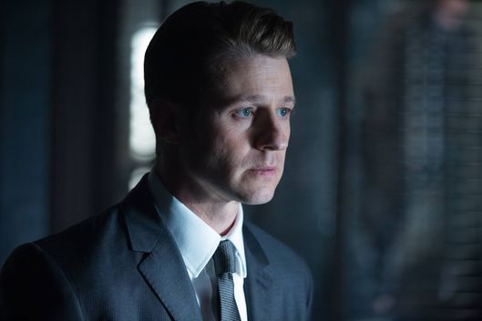 "GOTHAM: L-R: Benjamin McKenzie in the ""Rise of the Villains: By Fire"" episode of GOTHAM airing Monday, Oct. 26 (8:00-9:00 PM ET/PT) on FOX. ©2015 Fox Broadcasting Co. Cr: Jessica Miglio/ FOX."