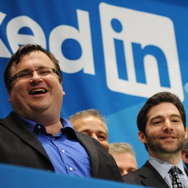 Linkedin founder Reid Garrett Hoffman (L) and CEO Jeff Weiner (R) just before ringing the opening bell of the New York Stock Exchange May 19, 2011 during the initial public offering of the company.