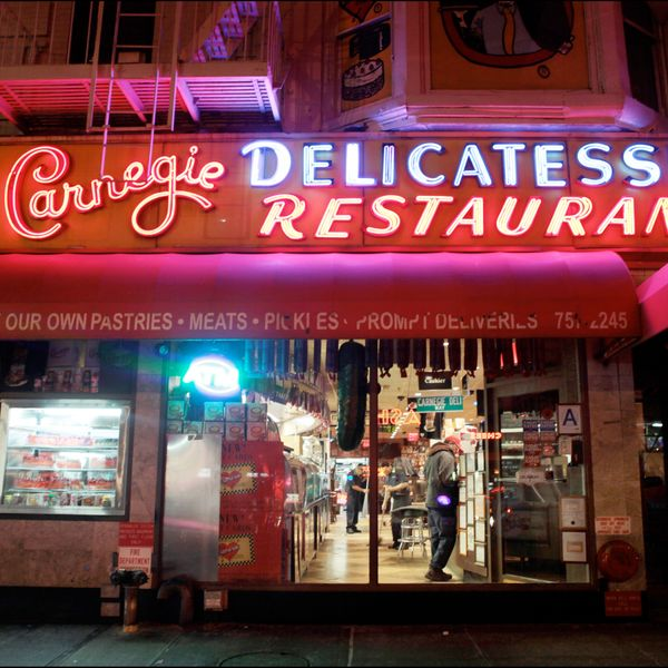 Drama at Carnegie Deli Reaches an All-Time High