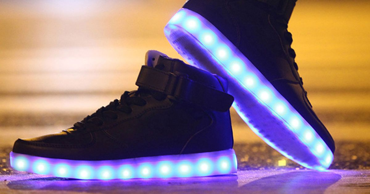 These Light Up Shoes Use High-tech LED Lights 1c77f98b3