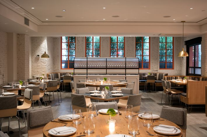 Former abc kitchen chef dan kluger opens loring place for Abc kitchen restaurant week menu