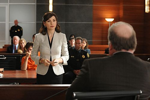 """Feeding the Rat""--Alicia (Julianna Margulies, center) presents her case to the judge, on THE GOOD WIFE, Sunday, Oct. 16  (9:00-10:00 PM, ET/PT) on the CBS Television Network. Photo: David M. Russell/CBS ?2011 CBS Broadcasting Inc. All Rights Reserved. #GoodWife"