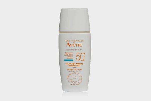 Avène Mineral Light Mattifying SPF 50 Plus Sunscreen Lotion