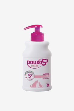 Douxo S3 CALM Soothing Itchy, Hydrated Skin Dog & Cat Shampoo (6.7 oz)
