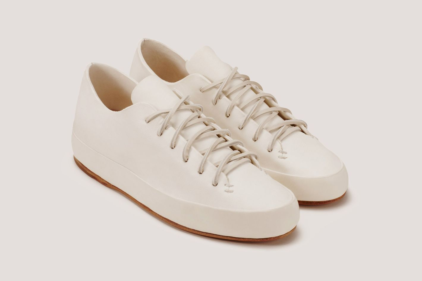 15 Best White Sneakers for Women 2018 5b2f577f9