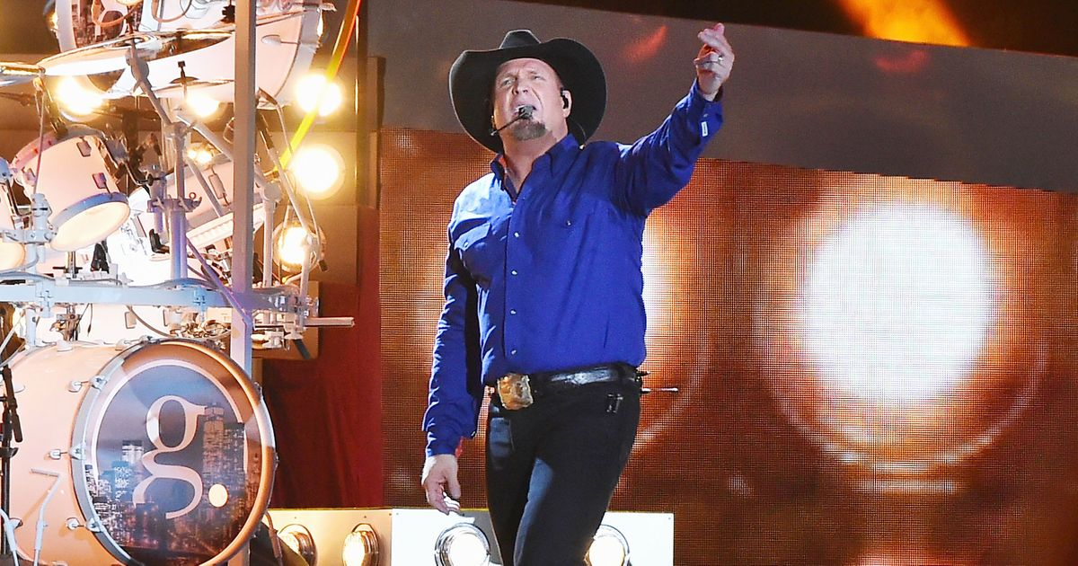 Garth Brooks Aces His First New York Show In 19 Years