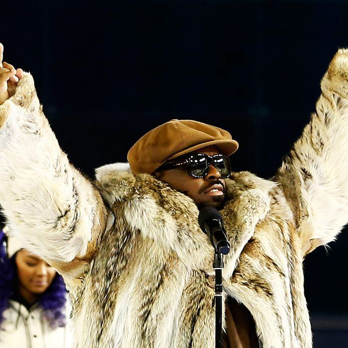 Singer Cee Lo Green performs between the first and second period during the 2014 Coors Light NHL Stadium Series at Yankee Stadium on January 29, 2014 in New York City.