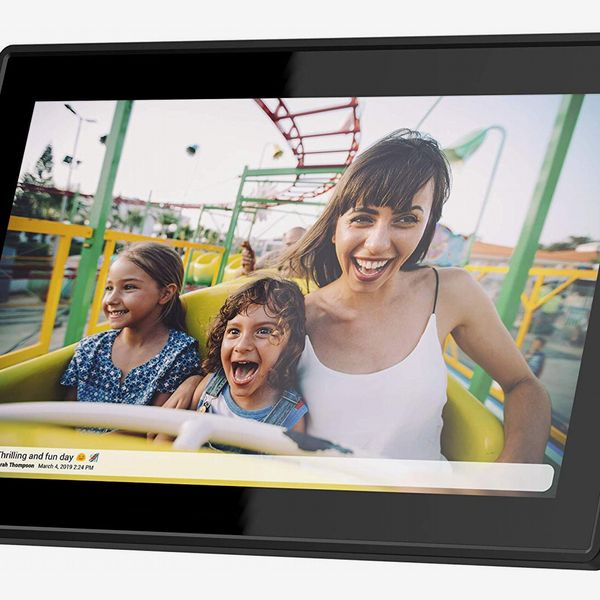 Feelcare 15.6 Inch WiFi Digital Picture Frame