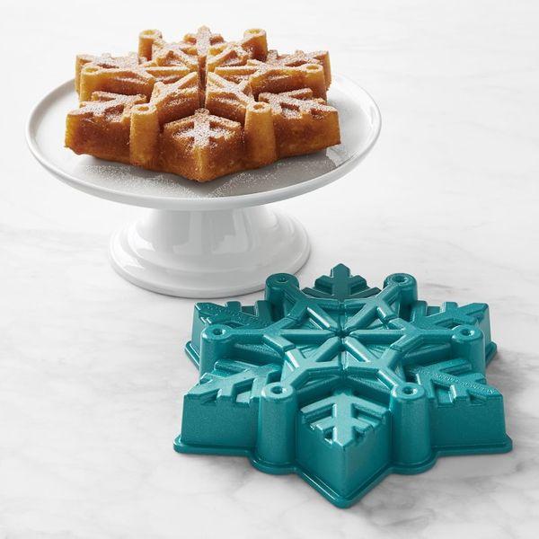 Disney Frozen 2 Nordic Ware Frozen Snowflake Cake Pan