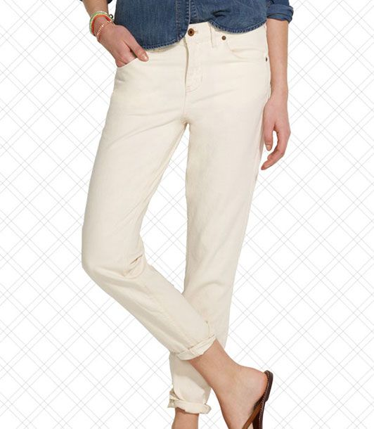 "<i></i>  <i></i>  <i></i>  Standing outside at a lacrosse game can get hot, so light-colored jeans are a must.  <i>$135 at <a href=""http://www.madewell.com/madewell_category/DENIM/boyjean/PRDOVR~69034/69034.jsp"">Madewell</a></i>"