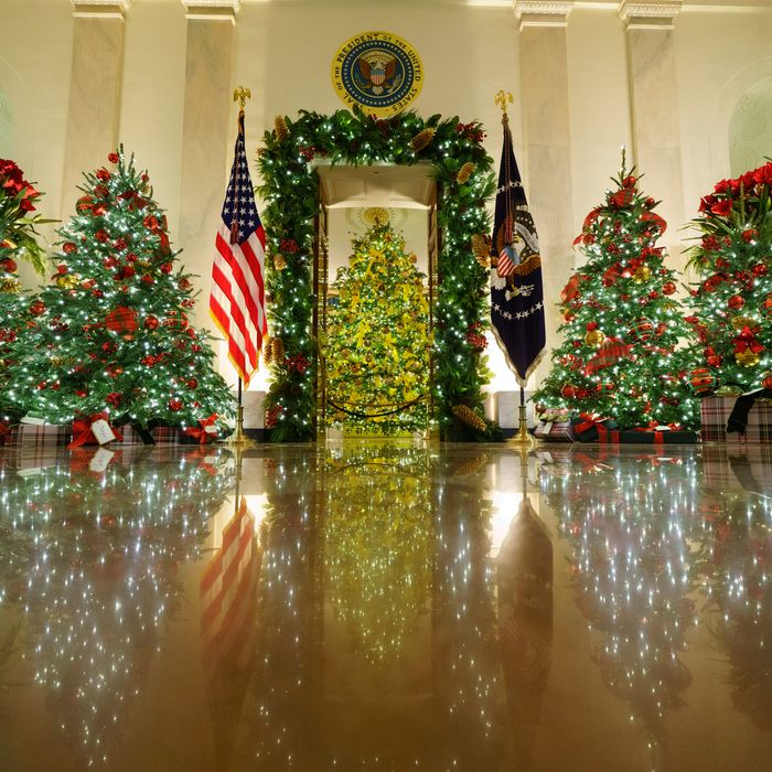 Official White House Christmas Party Invitation 2021 Trump Holiday Parties Deny Reality On Covid Election Loss