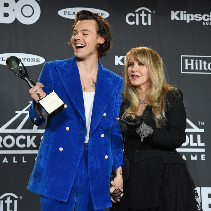 78b02220 A Timeline of Stevie Nicks and Her 'Love Child' Harry Styles's Friendship