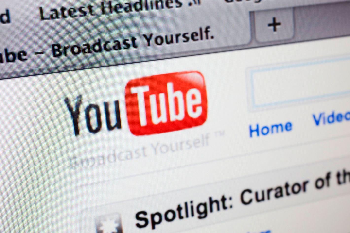 Boy Accidentally Hangs Himself Imitating YouTube Prank