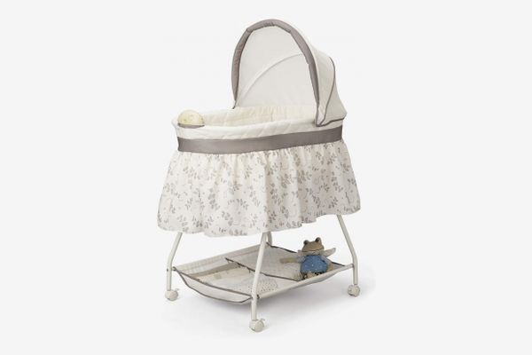 Delta Children Deluxe Sweet Beginnings Bassinet