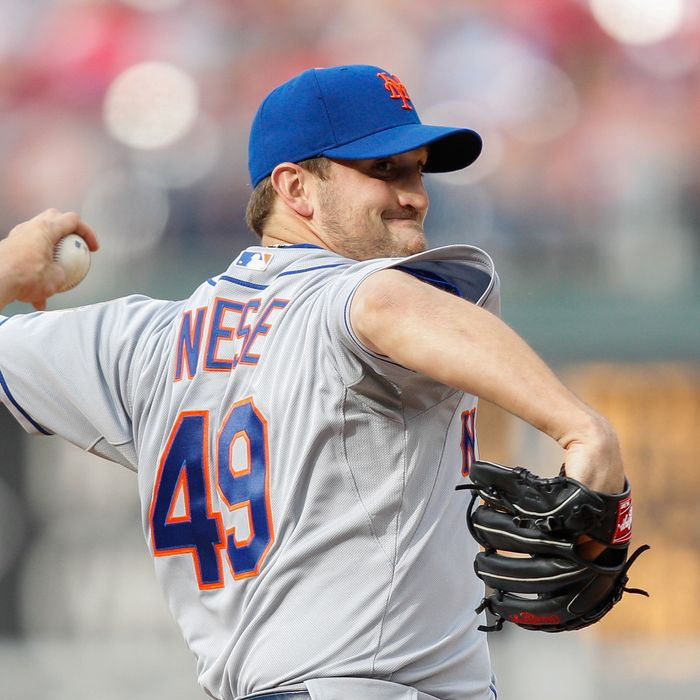 Starting pitcher Jonathon Niese #49 of the New York Mets delivers a pitch during the game against the Philadelphia Phillies at Citizens Bank Park on April 14, 2012 in Philadelphia, Pennsylvania.